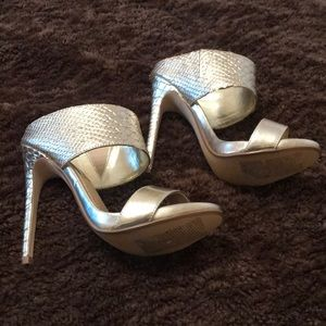 Gold Steve Madden heels size 6